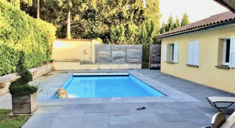 Fleurieux sur l'Arbresle - Maison de 295 m² sur un terrain de 1200 m² avec piscine