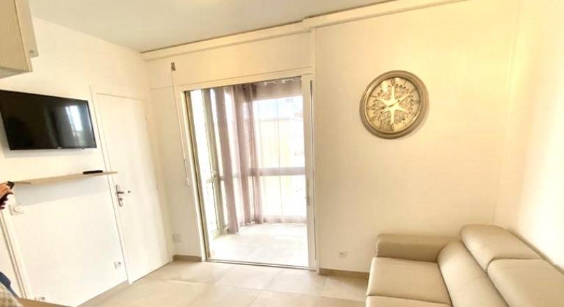 Loué - Lyon 6 - Superbe meublé 30 m² en étage élevé avec balcon