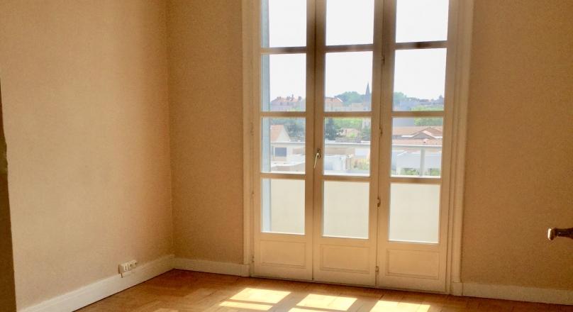 Sous compromis - Lyon 3 - Montchat - T4 traversant de 90 m² avec balcons