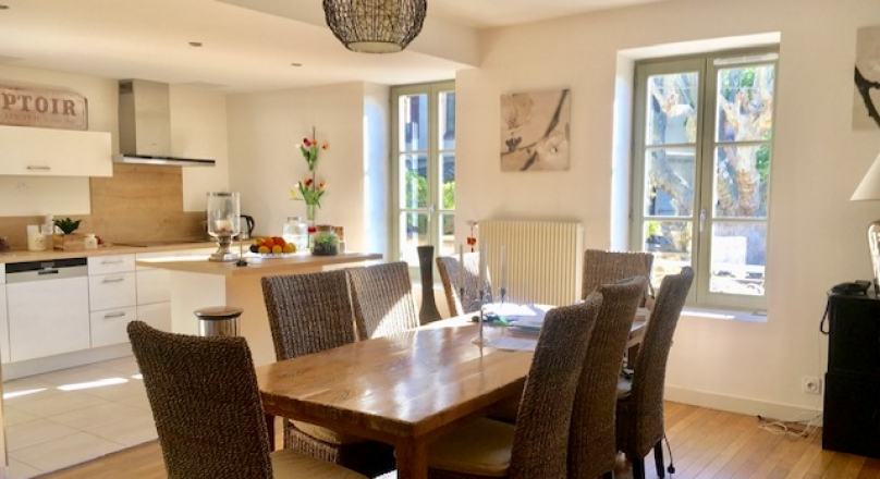 Loué - St Cyr au Mont d'or - Magnifique appartement 130 m² avec terrasse et cour