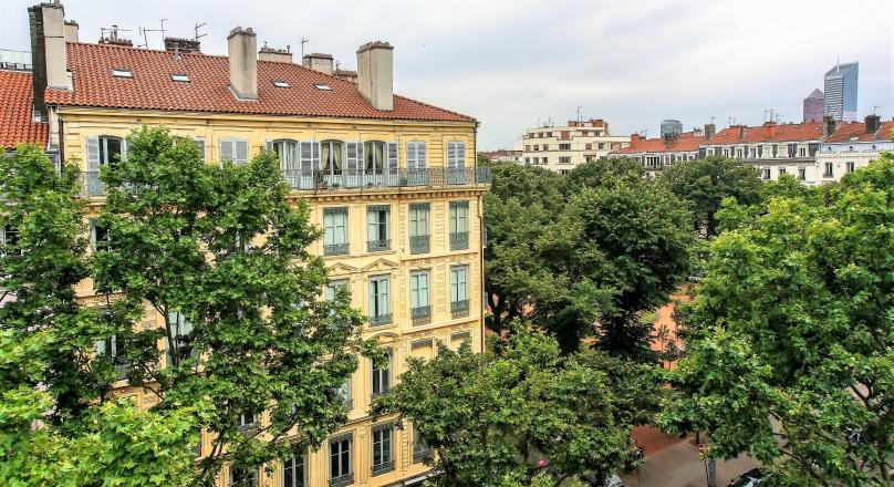 Loué - Lyon 6 - Foch - Grand T2 meublé 60 m² dernier étage
